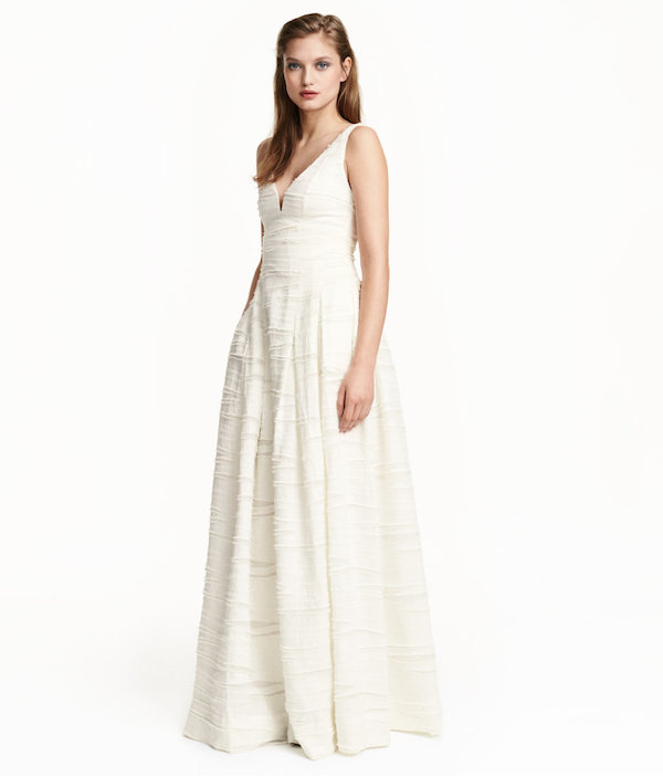 I would totally wear this as a wedding dress. Linen & Silk-Blend Dress via H&M