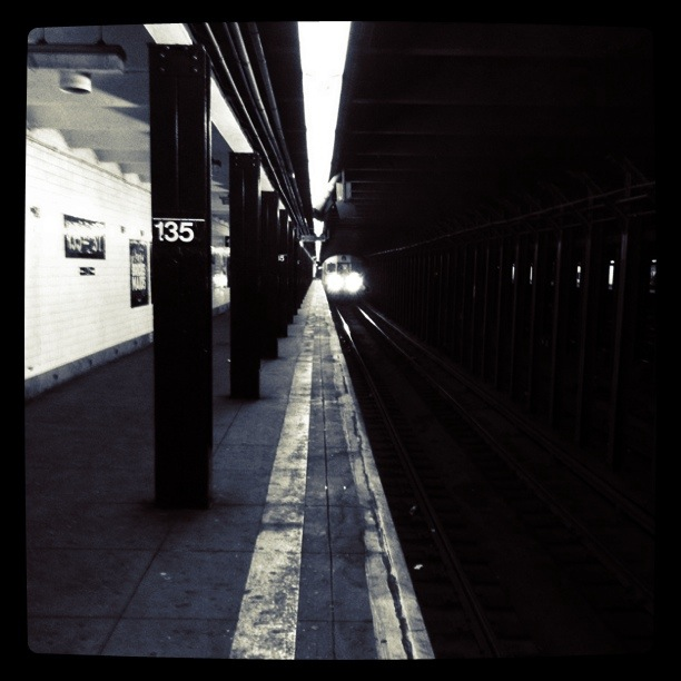 Subway - NYC guitarist Cameron Mizell