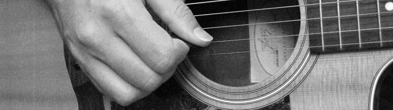 Taylor-pick-hand-close-up.jpg