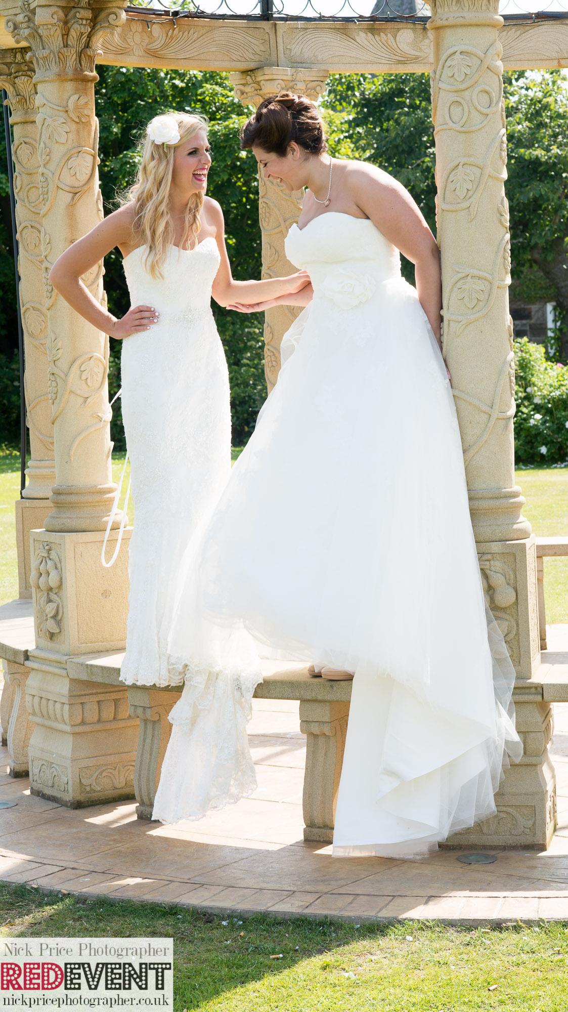 FB TW Leasowe Castle Wedding Fayre, Wirral. Sunday 22nd June Anna & Chloe Photoshoot  RED EVENT-360
