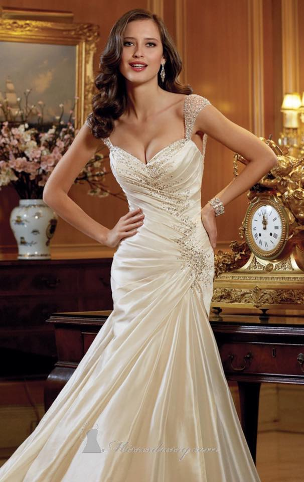 Tilly Annas Bridal Special Offer For The LEasowe Castle Wedding Fayre  Sunday 18th Jan 2015 Red