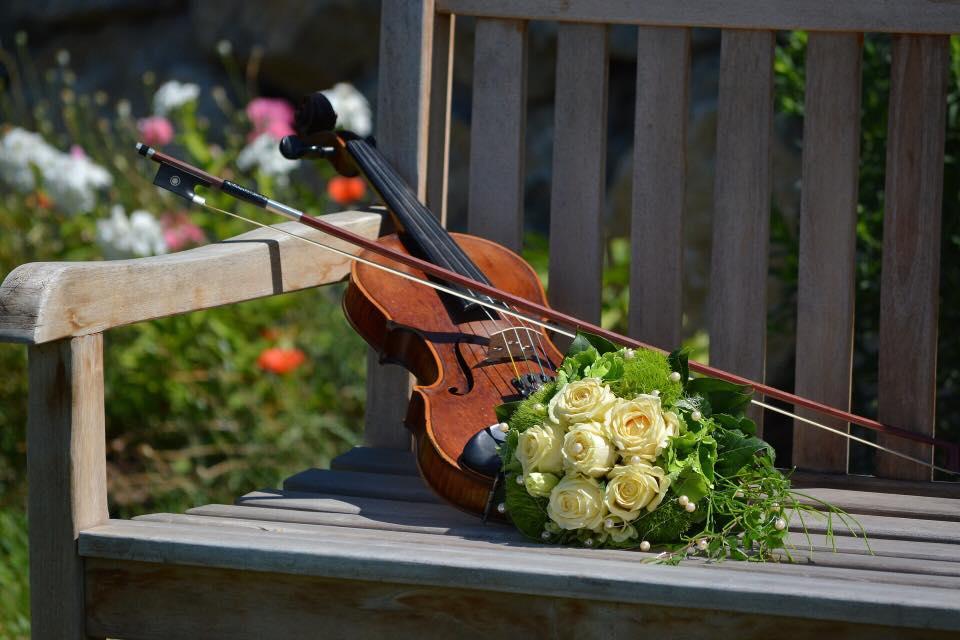 serenata String quartet special offer for Formby Hall Wedding Fayre Liverpool Wedding Fair Merseyside Weddings www.redeventweddingfayres.com2.jpg