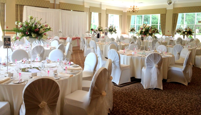 Cheshire Wedding Fayre at Craxton Wood Chester, Red Event Merseyside Wedding Fair 04www.redeventweddingfayres.com .jpg