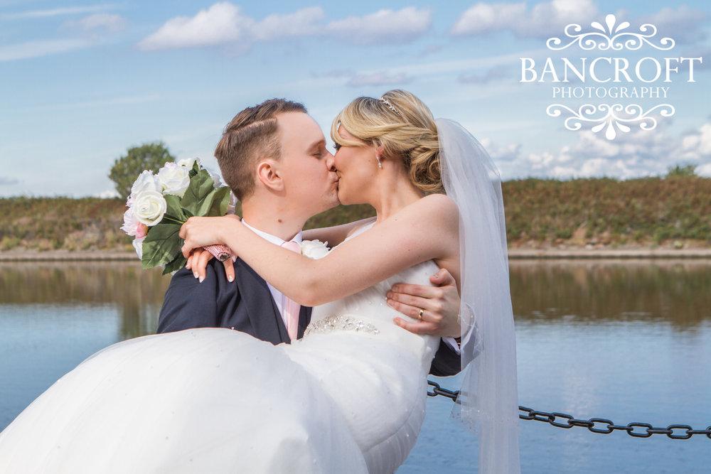 Holiday Inn Ellesmere Port Cheshire Oaks Wedding Fayre Cheshire Wirral Wedding Fair 06 www.redeventweddingfayres.com.jpg