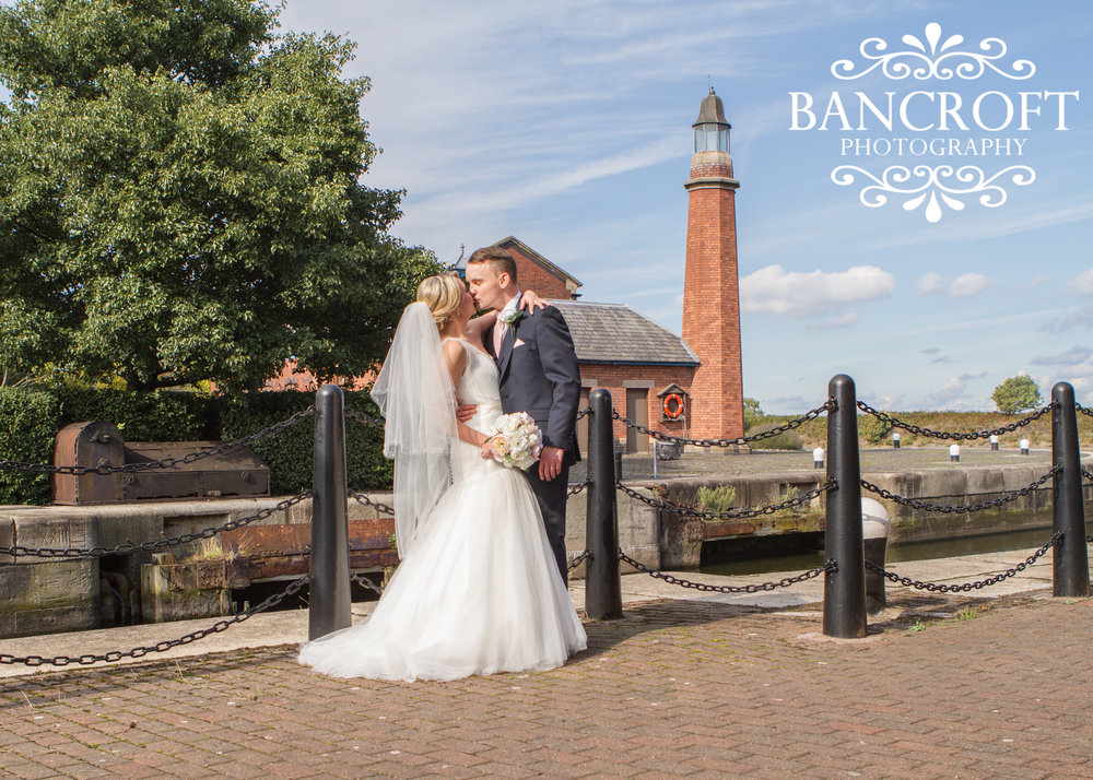 Holiday Inn Ellesmere Port Cheshire Oaks Wedding Fayre Cheshire Wirral Wedding Fair 04 www.redeventweddingfayres.com.JPG
