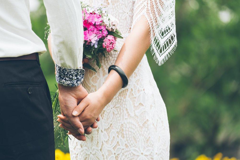 https://www.redeventweddingfayres.com/cheshire-wedding-fair-macdonald-craxton-wood/