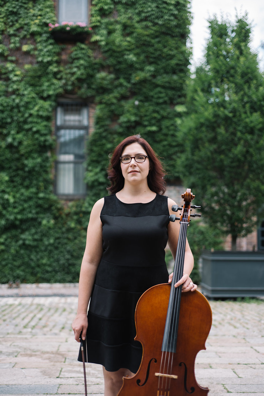 Alicia Furey - Cellist