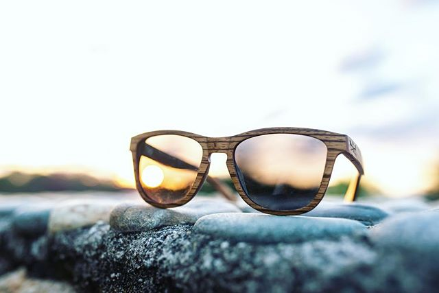 Best free show in town #sunset . . . #artinnature #woodensunnies #woodensunglasses #goldenhour #mexico #sunset #freeshow #woodwork #shades #endlesssummer #stylin #nature #entrepreneurlife #smallbusiness #sunnies #sunglasseslover