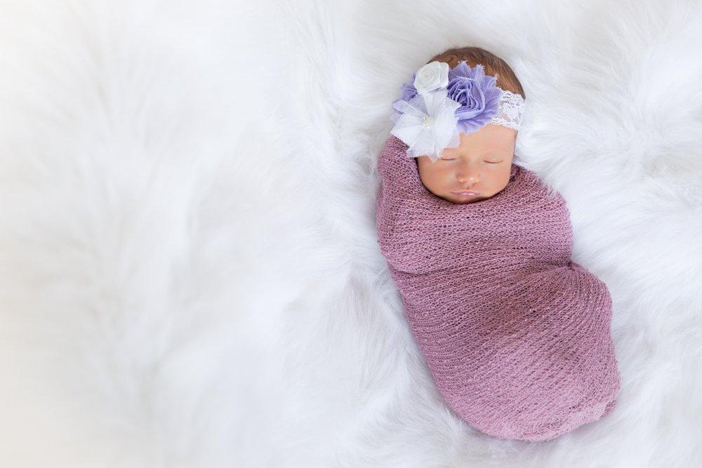 newborn_sherwoodpark_yeg_photographer.jpg