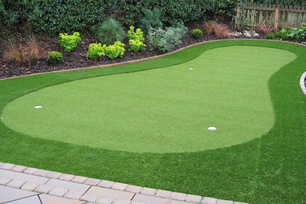 Artificial-Golf-Green-Installation-By-Putt-It-Right-Limited-6-2.jpg