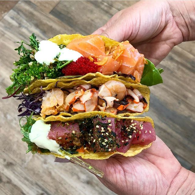 Double fishting tacos like 👐🏻🐠🌮 @pokelife.usa #miami_foodporn