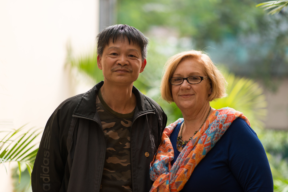 Pham Van Hien with Susan Mitchell-Mattera. See all the pictures of sons and daughters together on the 2 Sides Project  Facebook page .