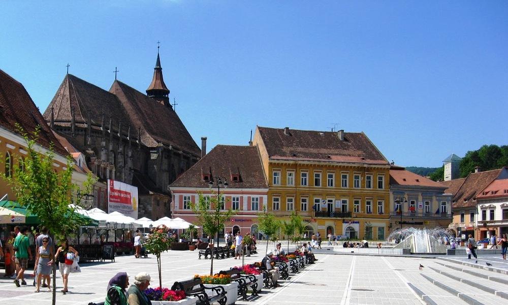 Romania-Photo-Blog-Brasov-Piata-Sfatului.jpg