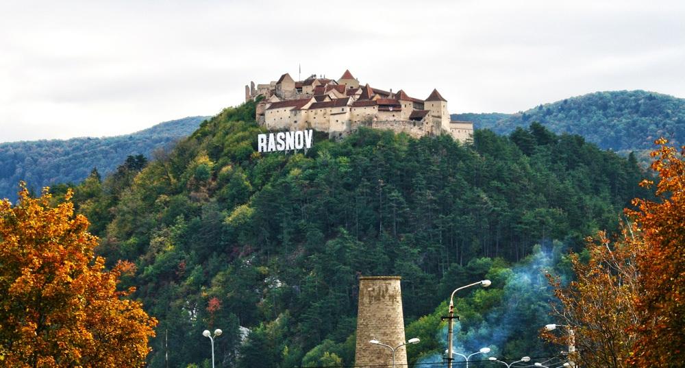 cetatea-rasnov-ansamblu-fortificat.jpg