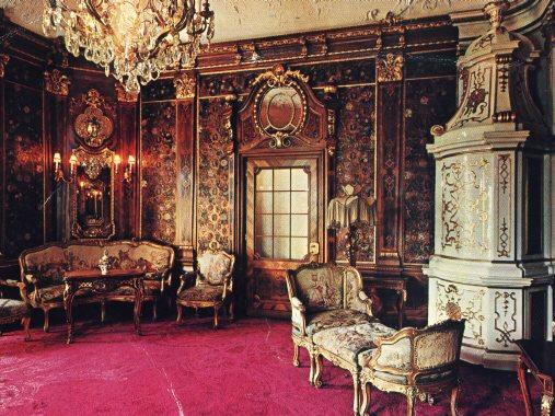 Peles-Castle-interior.jpg