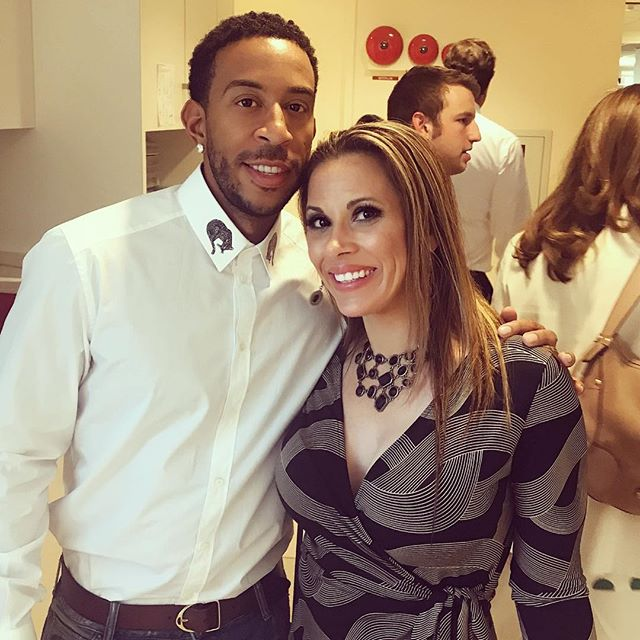 Just artisting out with one of my favs ever @ludacris & of course I didn't tell him or completely #fangirlout or it could've gotten super awkward! But I'm pretty sure we're gonna Duet now 😜💋 #btigcharityday #makeacall #makeatrade #makeadifference #givingback #Ludacris #rapper #singer #duet #justputtingitoutthere