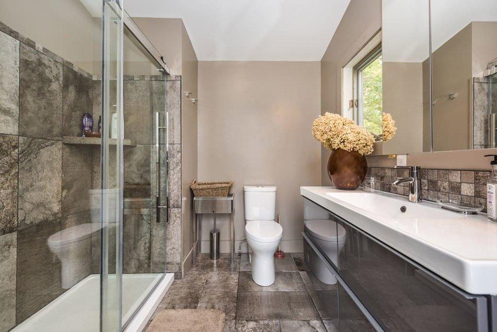 master suite luxurious restroom.jpg