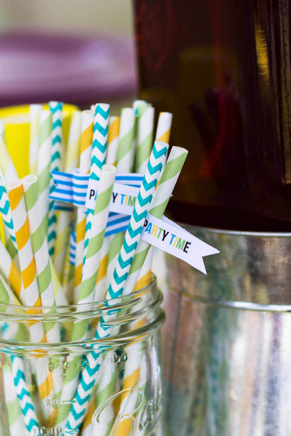 Pineapple Straw Flags