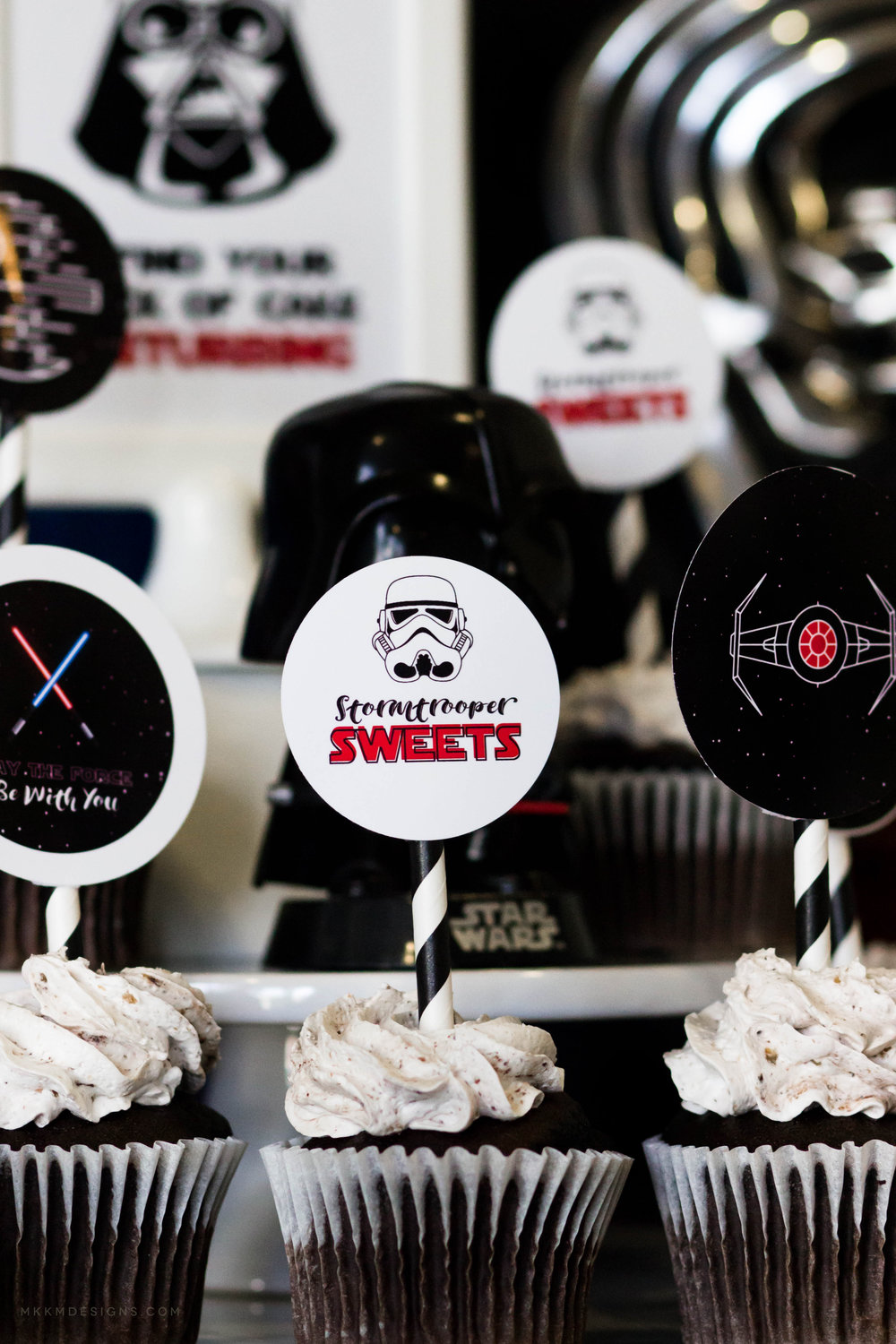 Star Wars Cupcake Toppers. Star Wars Party Printables by MKKM Designs #swoonworthysoirees #mkkmdesigns