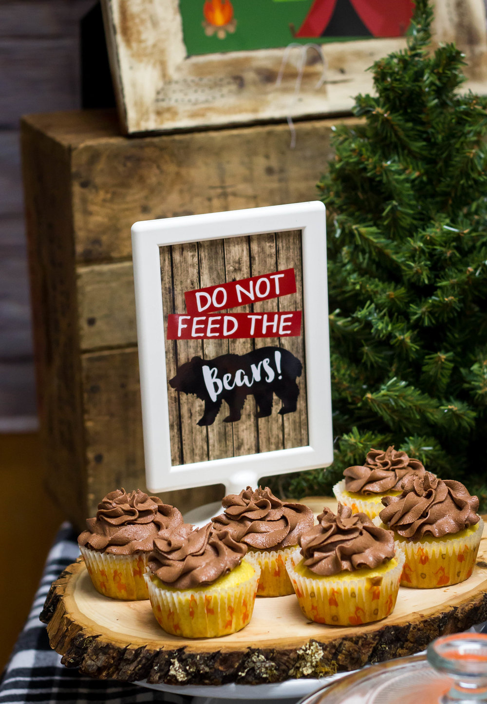 Do not feed the bears sign by MKKM Designs