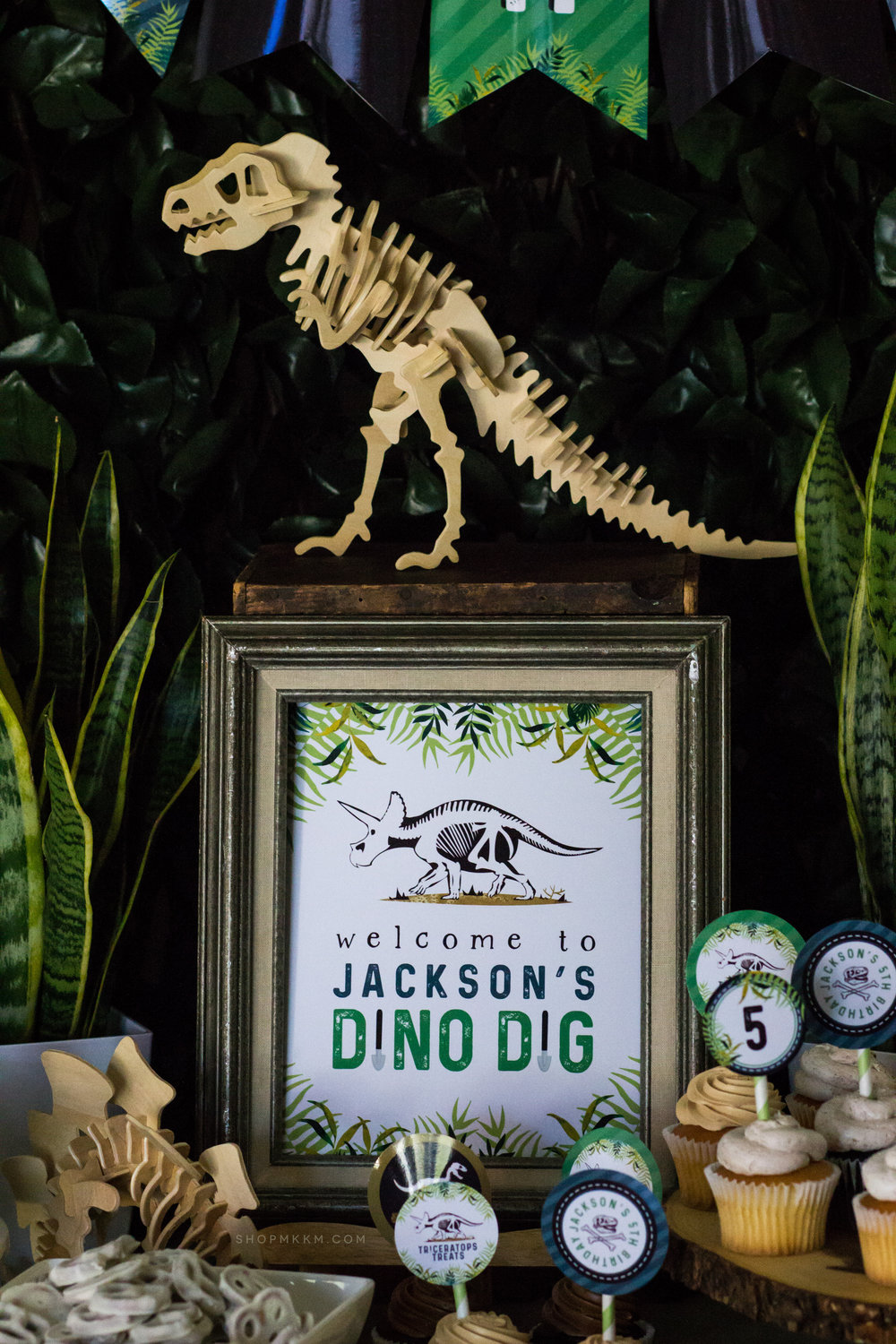 Dinosaur party sign by MKKM Designs