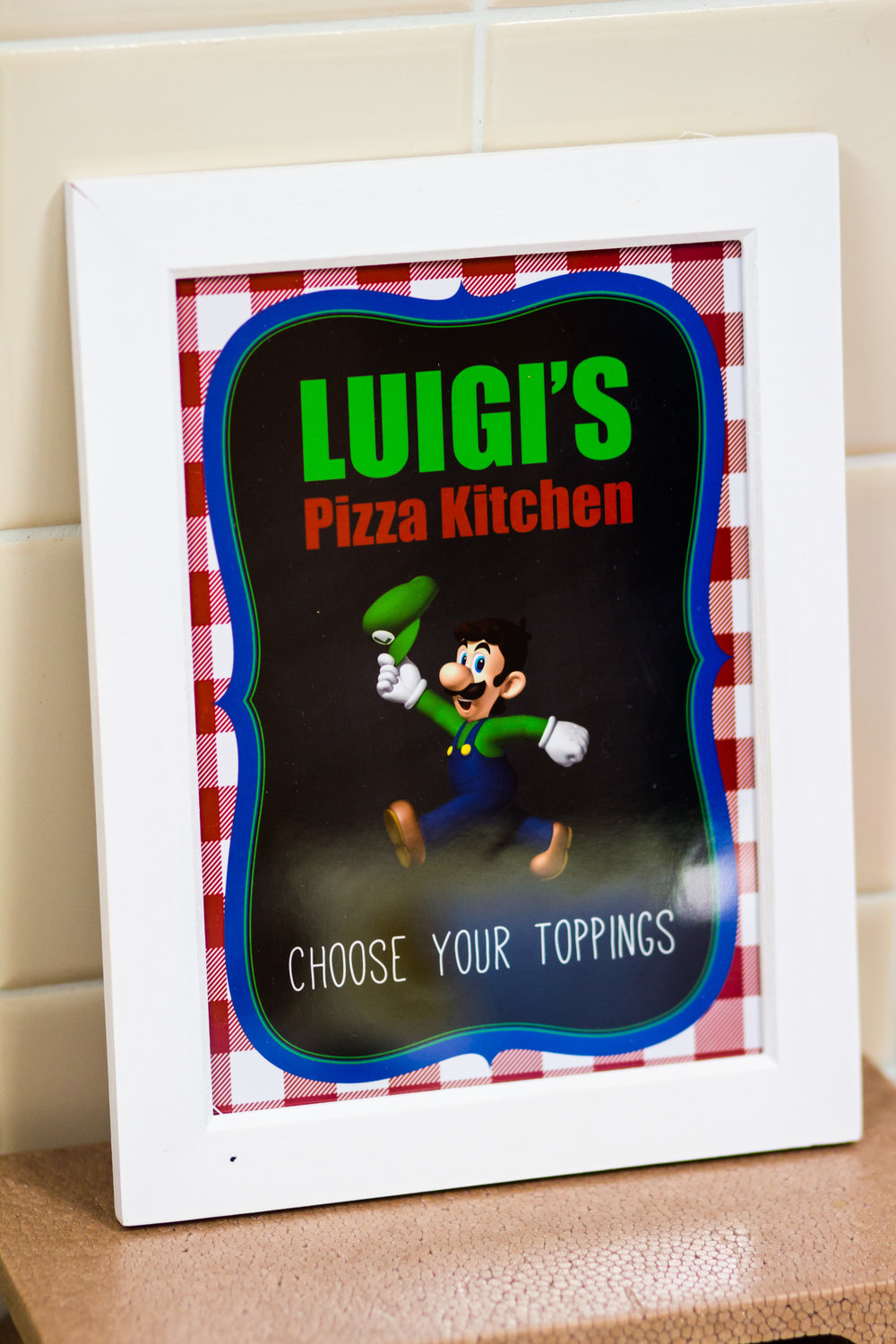 Luigi's Pizza kitchen free printable sign from shopmkkm.com