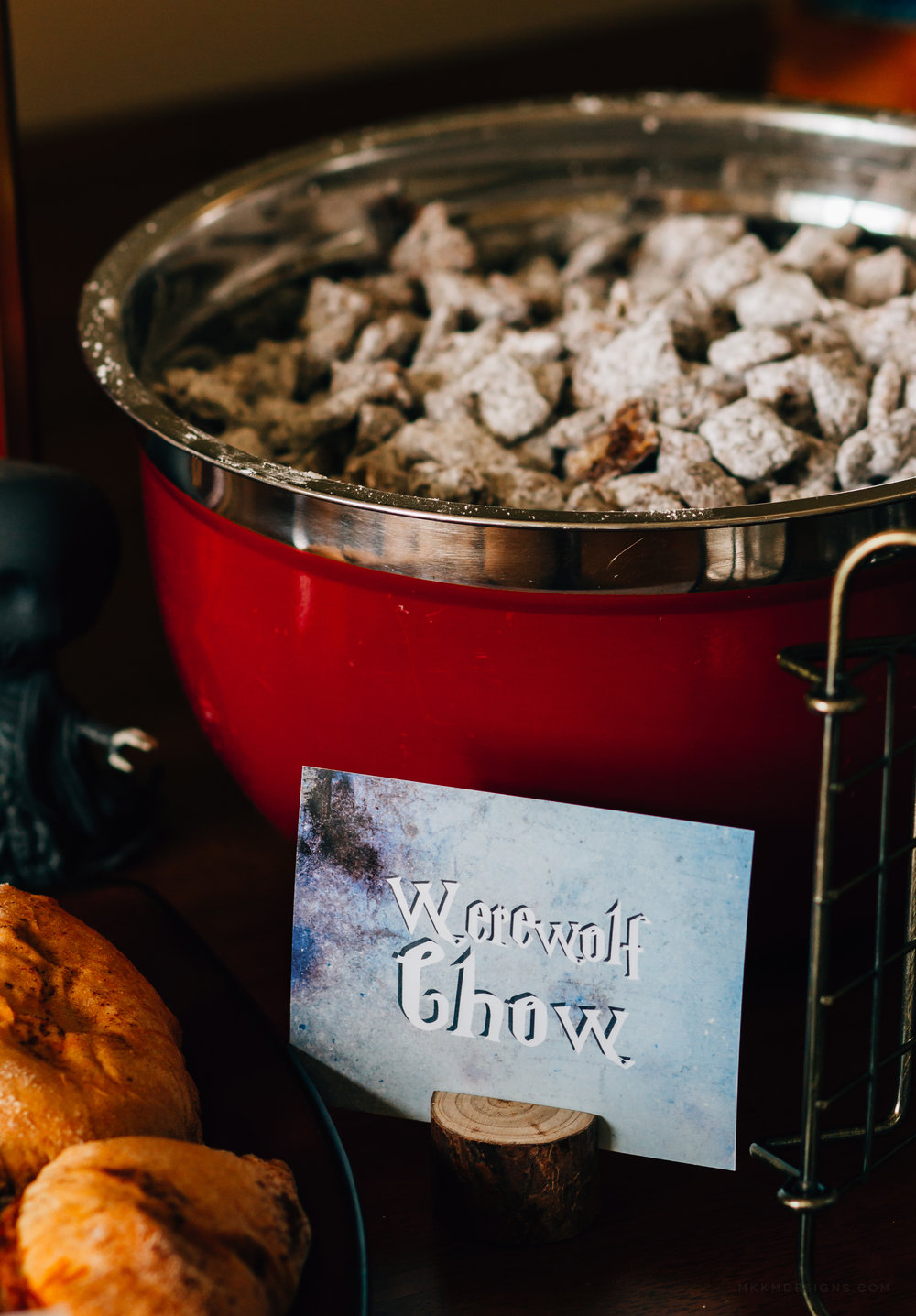 Werewolf chow at a Harry Potter party. Free printable food card designs from shopmkkm.com