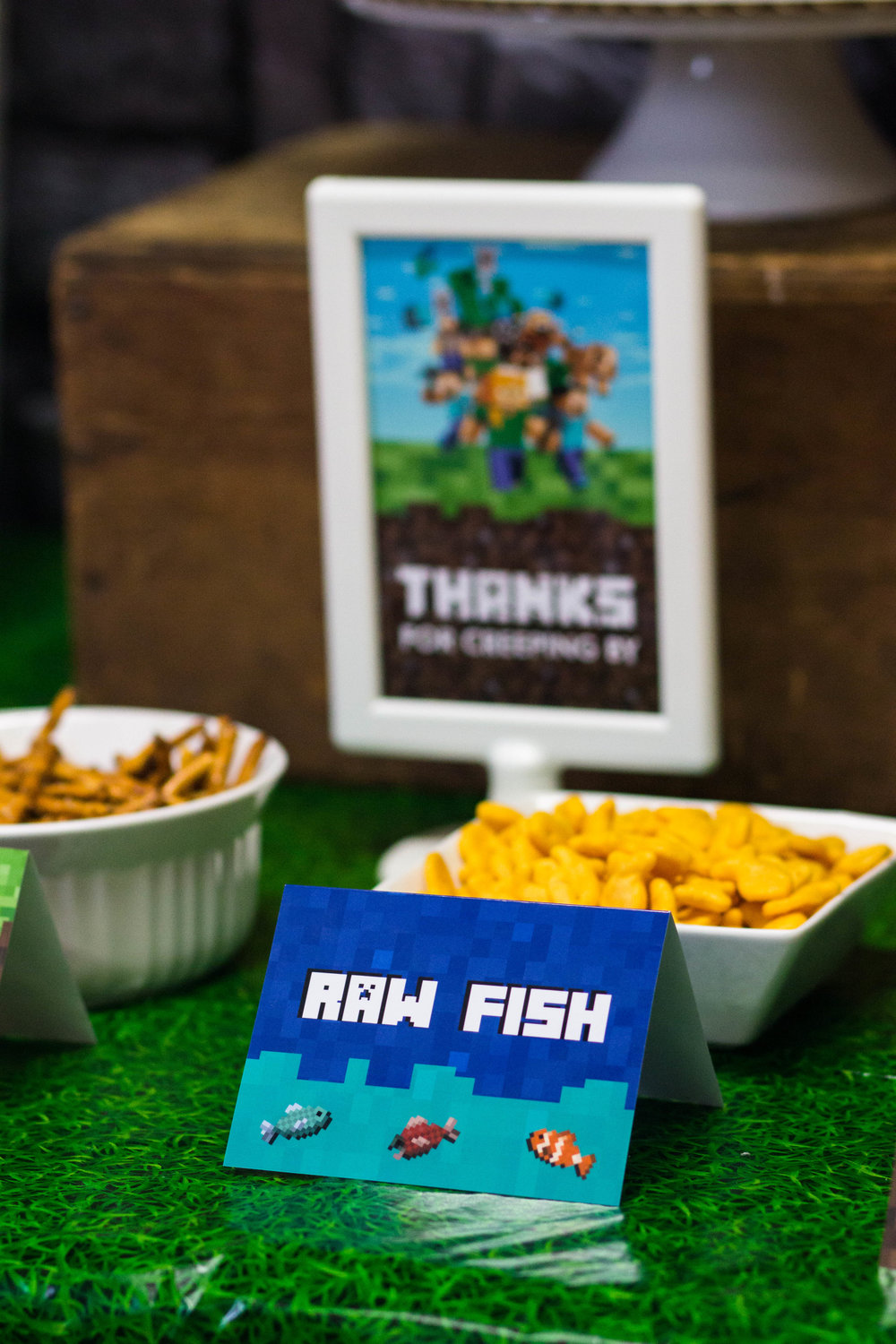 Minecraft party food ideas and free printables from shopmkkm.com