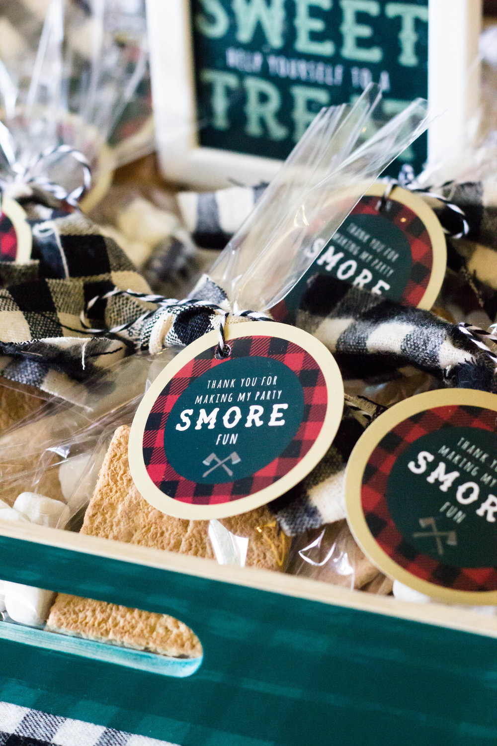 S'mores favor tags from MKKM Designs. Free printable on shopmkkm.com