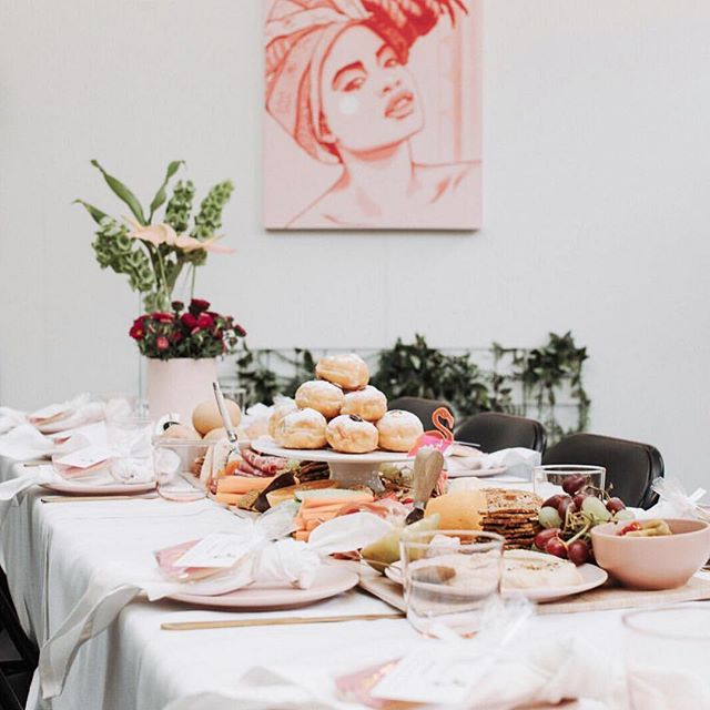 Brunch never looked so good. 🧁  This gorgeous setup in our event space was by @honourwithfetepopuppicnics For @giannalicas_ Let's Flamingle event last month.  Our venue space offers a blank canvas for your event needs. With options for a large stand up cocktail events, up to 150 seated or even intimate workshops and classes.  Or get creative like the ladies did here and turn it into an indoor picnic space!  For more details about hosting your next event at One Roof send us a DM or email us at Hello@oneroofwomen.com