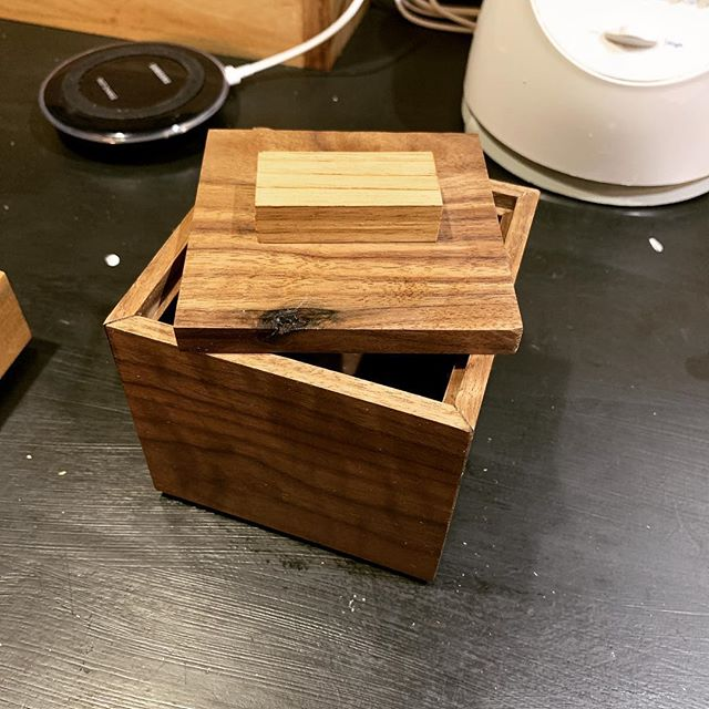 And then the wife asks if I can make a little square box for her...by tomorrow. So this is what I made. #boxmaking #handtoolschool #woodworking