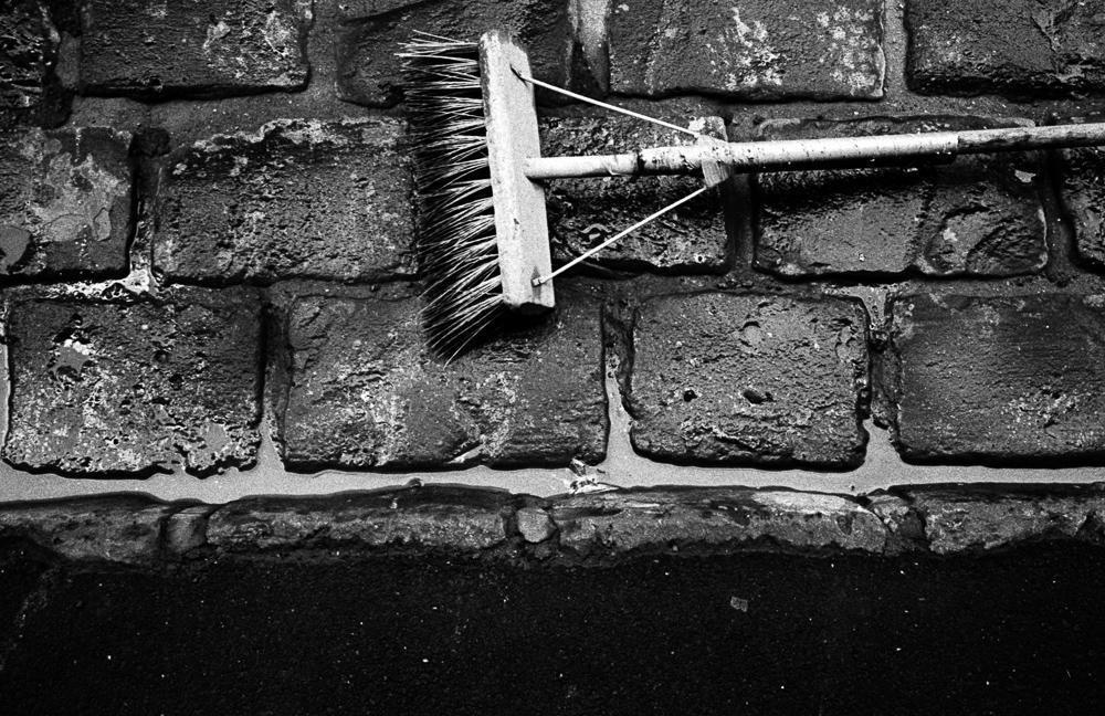 Broom-2.jpg