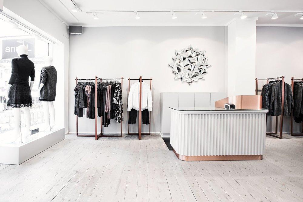 UIUX de diseño de espacios comerciales — Visual Retailing
