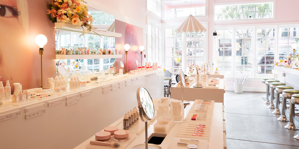 glossier-customer-experience-store