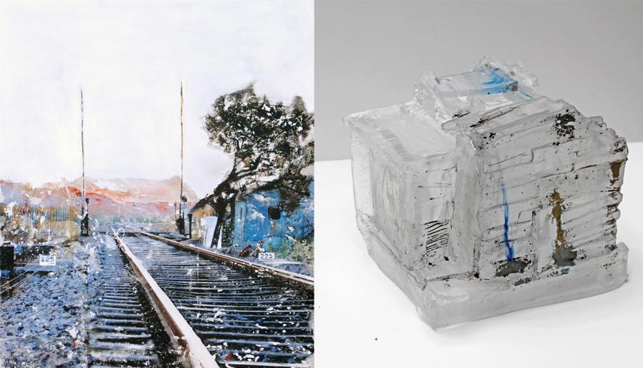 """Marie-Laure Mallet Melchior, """" Kms 225, Rajasthan """" - détail - (2018), technique mixte sur aluminium Pauline Bétin, """"maison"""" (2017), pâte de verre et sérigraphie"""