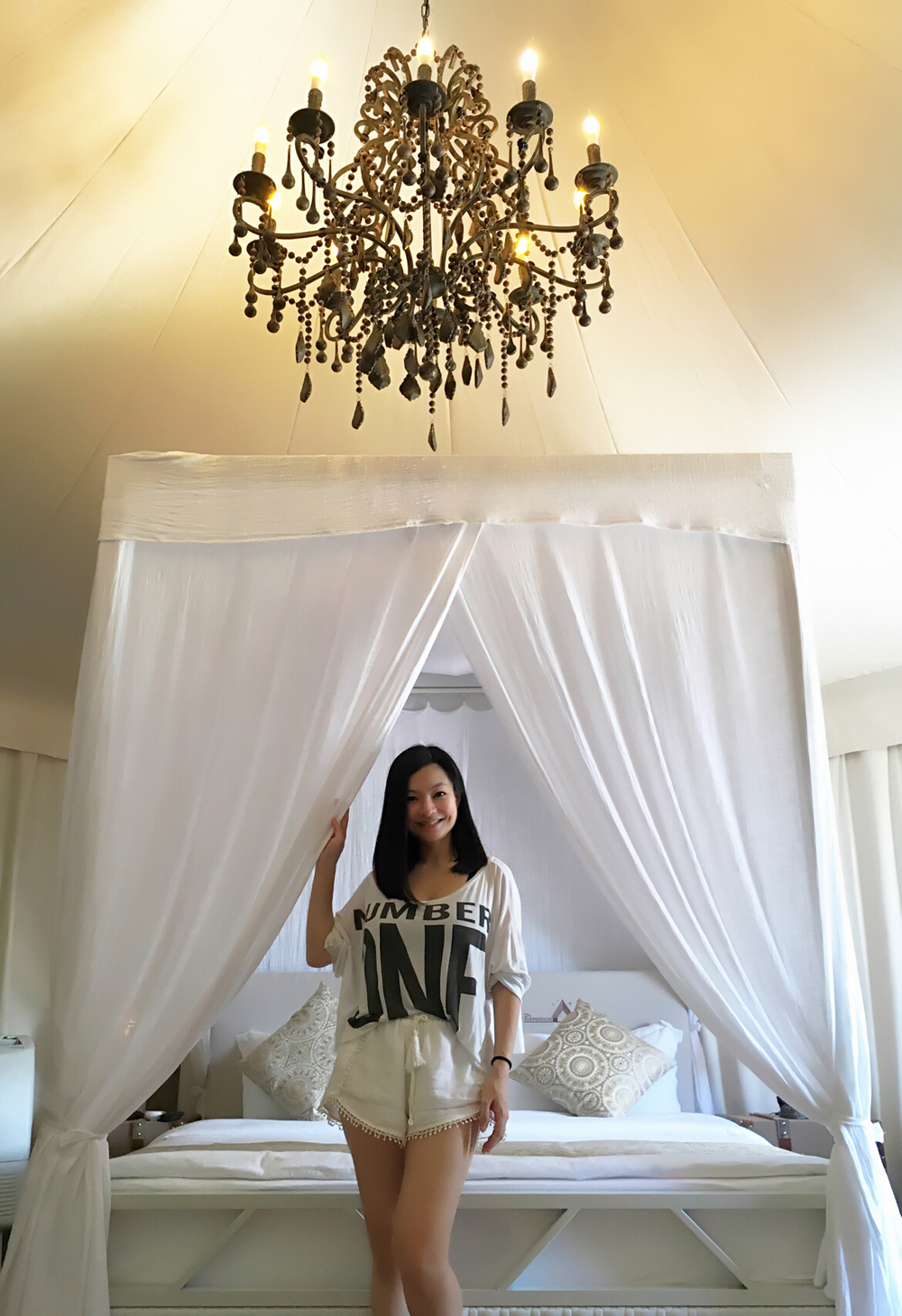 My fave piece of furniture was the gorgeous chandelier...
