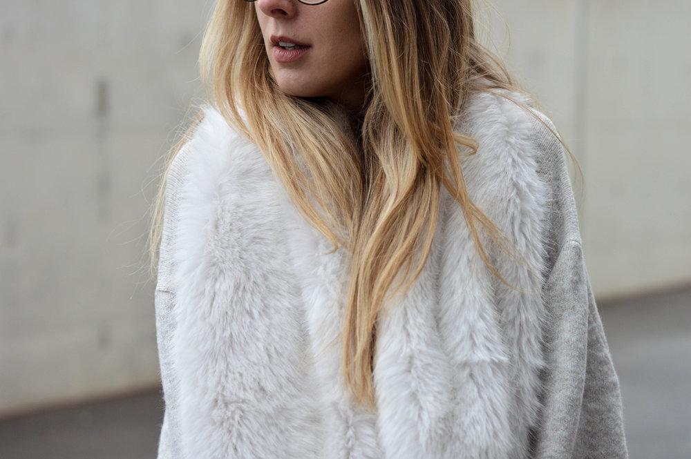 Fur Scarf- OSIARAH.COM (14 of 19).jpg