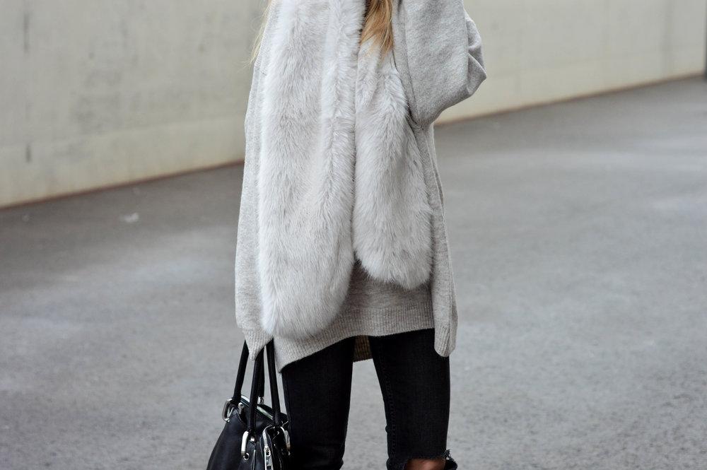 Fur Scarf- OSIARAH.COM (17 of 19).jpg