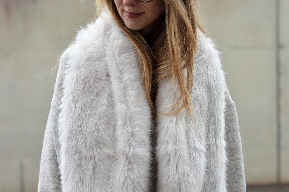 Fur Scarf- OSIARAH.COM (19 of 19).jpg