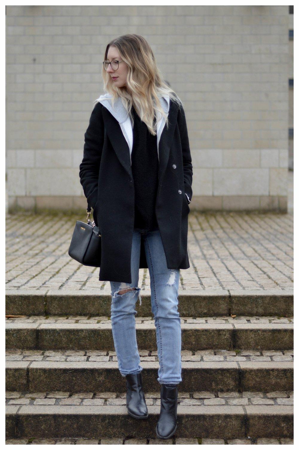 Black Coat Hoodie & Ripped Jeans - OSIARAH.COM (9 sur 54).jpg
