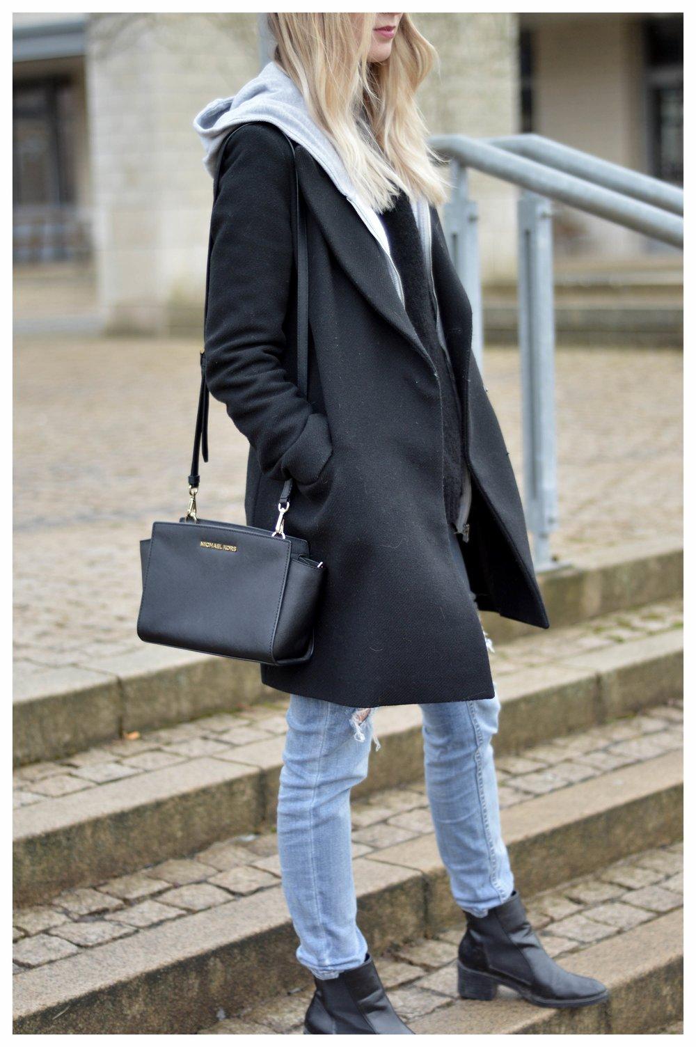 Black Coat Hoodie & Ripped Jeans - OSIARAH.COM (47 sur 54).jpg