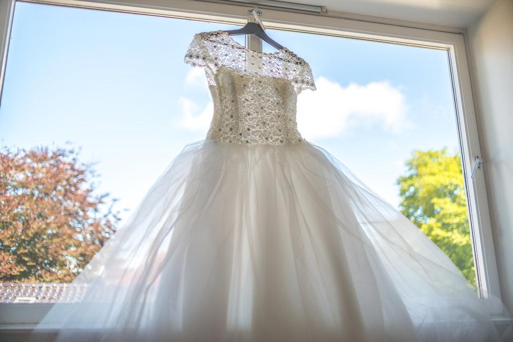 White wedding dress Stavanger bryllup kjole Guillem Cheung