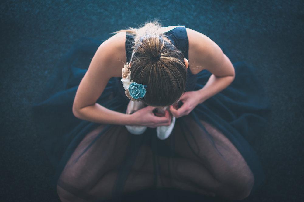 Ballerina getting readyStavanger Portrait photography portrett fotograf