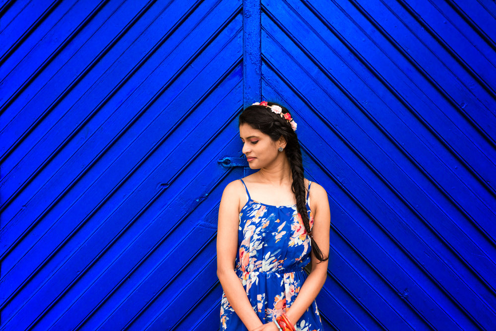 Girl in a blue door Stavanger Portrait photography portrett fotograf