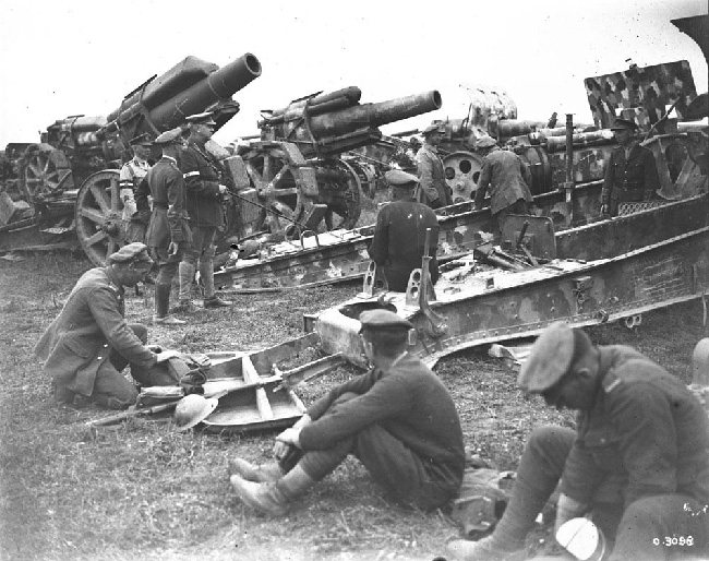 Canadian General Sir Arthur Currie, DSO inspects captured German artillery. Battle of Amiens, August, 1918. Canada. Dept. of National Defence/Library and Archives Canada/ PA-003046