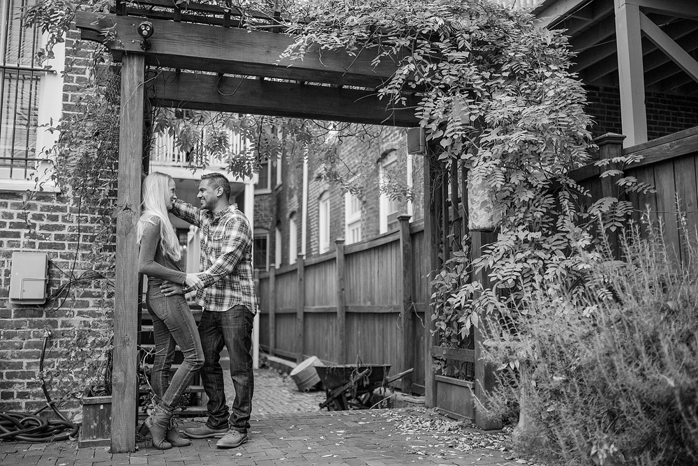engagement-session-browns-island-tredegar-richmond-va-rva_0001.jpg