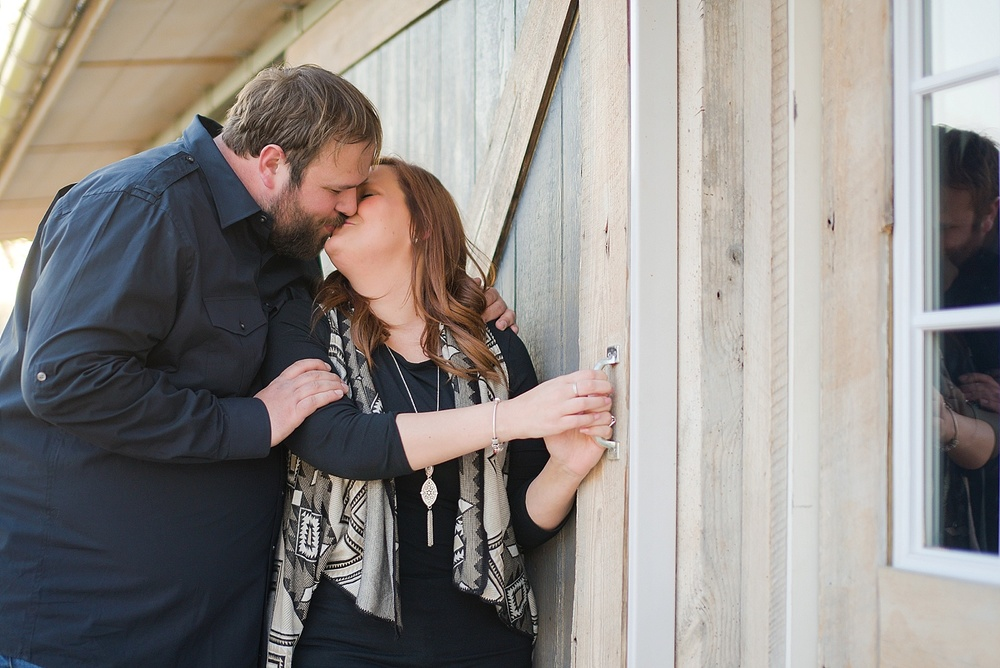 vintager-inn-new-kent-engagement-session_0004.jpg
