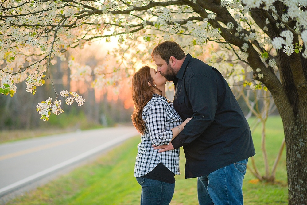 vintager-inn-new-kent-engagement-session_0015.jpg