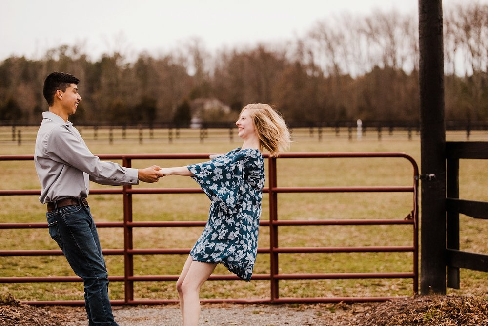 alturia-farms-engagement-session_0014.jpg