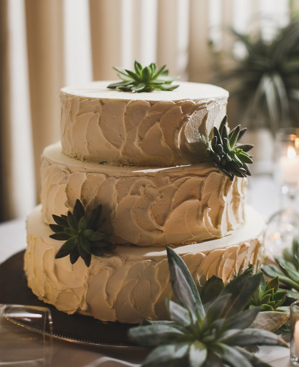 wedding cake succulents.jpg